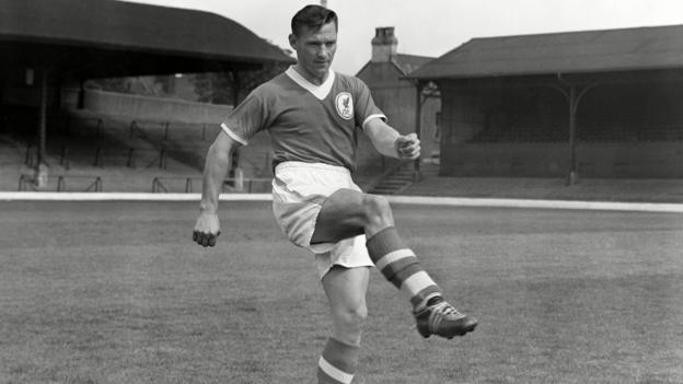 Northern Ireland Johnny Wheeler: Former Liverpool and Bolton winger dies aged 91