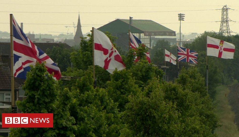 Northern Ireland Stormont: Flags body to submit delayed report within weeks