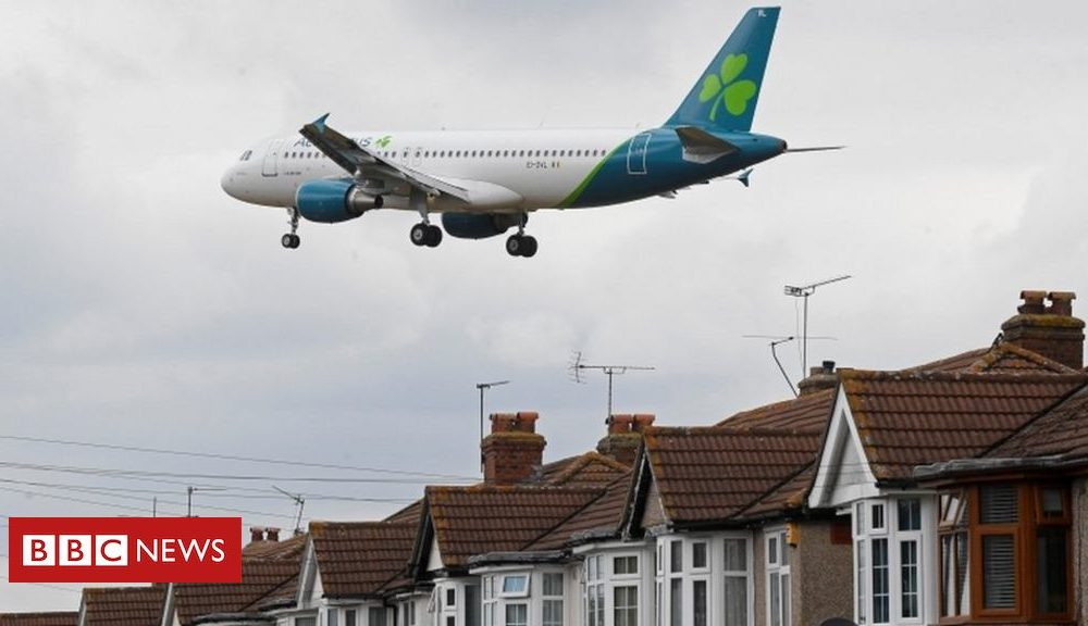 Northern Ireland Aer Lingus to cut up to 500 jobs due to pandemic